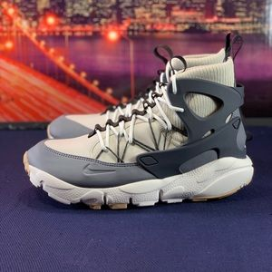 "NIKE AIR FOOTSCAPE UTILITY ""PARTICLE"""